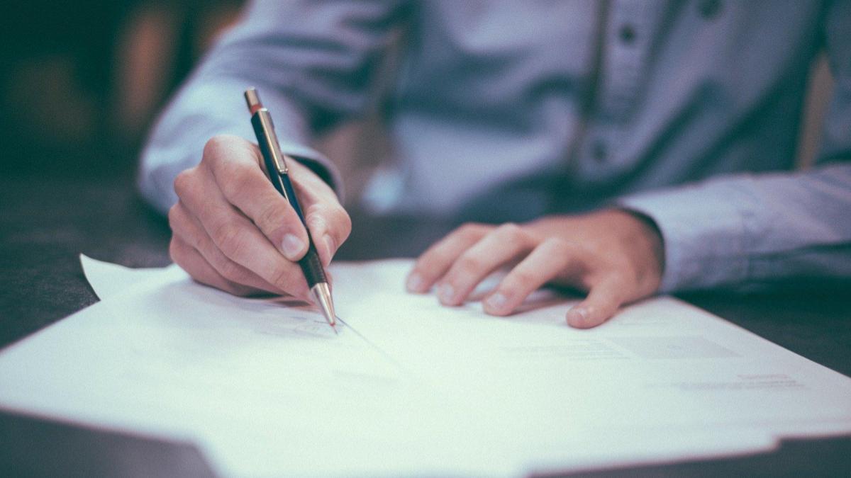 【社会人の目標設定】マンダラチャートの書き方を解説!目標を明確にして一歩ずつ前に進もう