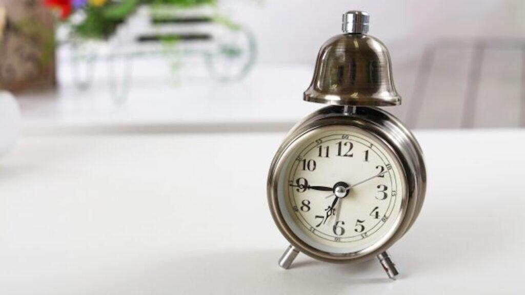 仕事をしている時間はどれくらい?